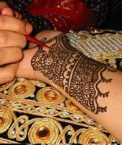 Henna Design for Women in Desert Safari